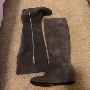 BCBG generation Grey suede wedge boots size 36